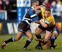 Photo: Richard Lane.<br />Bath Rugby v London Wasps. Zurich Premiership.<br />07/02/2004.<br />Mark Denney attacks.