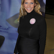 NLD/Rotterdam/20081016 - Premiere Mystery show Holiday on Ice, zwangere Nance Coolen
