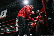 Boxen: Elite, Deutsche Meisterschaften, Finale, Lübeck, 09.12.2017<br /> Superschwergewicht, 91+ KG: Peter Kadiru (Mecklenburg Vorpommern, rot) - Alexander Müller van Berge (Berlin, blau)<br /> © Torsten Helmke
