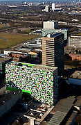 Nederland, Utrecht, De Uithof, 07-03-2010; Universiteit van Utrecht, universiteitscentrum, waaronder Universitair Medisch Centrum Utrecht (UMC). Het gekleurde gebouw is Casa Confetti (studentenhuisvesting SSHU). .Utrecht University..luchtfoto (toeslag), aerial photo (additional fee required).foto/photo Siebe Swart