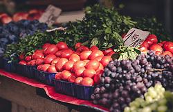 THEMENBILD - Gemüse auf dem Markt in Rijeka, aufgenommen am 13. August 2019 in Rijeka, Kroatien // Vegetables on the market in Rijeka, Croatia on 2019/08/13. EXPA Pictures © 2019, PhotoCredit: EXPA/Stefanie Oberhauser