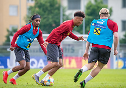 02.06.2018, Woerthersee Stadion, Klagenfurt, AUT, ÖFB Nationalteam, Training, im Bild v.l. Valentino Lazaro (AUT), Karim Onisiwo (AUT), Xaver Schlager (AUT) // f.l. Valentino Lazaro of Austria Karim Onisiwo of Austria Xaver hit of Austria during a Trainingssession of Austrian National Footballteam at the Woerthersee Stadion in Klagenfurt, Austria on 2018/06/02. EXPA Pictures © 2019, PhotoCredit: EXPA/ Johann Groder