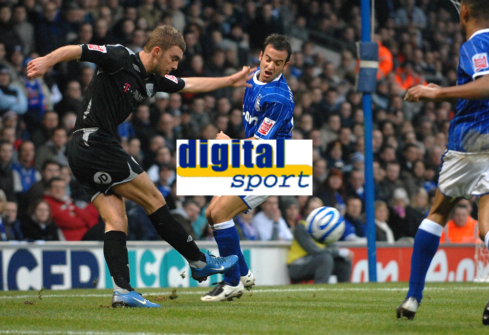 Photo: Ashley Pickering/Sportsbeat Images.<br /> Ipswich Town v West Bromwich Albion. Coca Cola Championship. 01/01/2008.<br /> James Morrison of WBA (L) gets a shot past Sito Castro of Ipswich