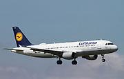 D-AIQA Lufthansa Airbus A320-211 in flight at Malpensa (MXP / LIMC), Milan, Italy