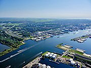 Nederland, Noord-Holland, Amsterdam, 02-09-2020; kruising Tweede Coentunnel met Noordzeekanaal, zicht op Buiksloterham en Tuindorp Oostzaan.<br /> Second Coentunnel, crossing with the North Sea Canal, with a view of Buiksloterham en Tuindorp Oostzaan.<br /> <br /> luchtfoto (toeslag op standard tarieven);<br /> aerial photo (additional fee required);<br /> copyright foto/photo Siebe Swart