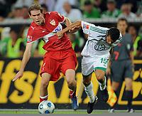 Fotball<br /> Tyskland<br /> Foto: Witters/Digitalsport<br /> NORWAY ONLY<br /> <br /> 07.08.2009<br /> <br /> v.l. Aliaksandr Hleb, Karim Ziani Wolfsburg<br /> <br /> Bundesliga VfL Wolfsburg - VfB Stuttgart 2:0