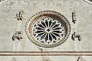 Rose window of the Gothic facade of the church of St. Benedict, before the 2106 earthquake, Piazza San Benedetto, Norcia, Umbria, Italy .<br /> <br /> Visit our ITALY HISTORIC PLACES PHOTO COLLECTION for more   photos of Italy to download or buy as prints https://funkystock.photoshelter.com/gallery-collection/2b-Pictures-Images-of-Italy-Photos-of-Italian-Historic-Landmark-Sites/C0000qxA2zGFjd_k<br /> .<br /> <br /> Visit our MEDIEVAL PHOTO COLLECTIONS for more   photos  to download or buy as prints https://funkystock.photoshelter.com/gallery-collection/Medieval-Middle-Ages-Historic-Places-Arcaeological-Sites-Pictures-Images-of/C0000B5ZA54_WD0s