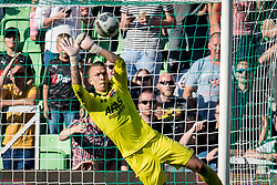 goalkeeper Marco Bizot of AZ during the Dutch Eredivisie match between FC Groningen and AZ Alkmaar at Noordlease stadium on October 15, 2017 in Groningen, The Netherlands