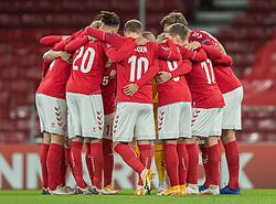 Det danske hold gør klar til kamp før kampen i Nations League mellem Danmark og Island den 15. november 2020 i Parken, København (Foto: Claus Birch).