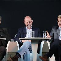 Nederland, Achlum , 28 mei 2011..Conventie van Achlum..Achmea bestaat dit jaar 200 jaar. In dit jubileumjaar gaat Achmea terug naar haar roots: het Friese dorpje Achlum. Op 28 mei vindt daar de Conventie van Achlum plaats. Zo'n 2000 mensen gaan daar met elkaar in gesprek over de toekomst van Nederland binnen de thema's: veiligheid, mobiliteit, arbeidsparticipatie, pensioen en gezondheid. Dit doen we met top sprekers uit de politiek en wetenschap maar ook met mensen zoals jij..Op de foto v.l.n.r. Bas Heijne, Paul Schnabel en Willem van Duin bestuursvoorziter Achmea.Foto:Jean-Pierre Jans