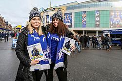 Chelsea fans pose outside Stamford Bridge - Mandatory by-line: Jason Brown/JMP - 04/01/2017 - FOOTBALL - Stamford Bridge - London, England - Chelsea v Arsenal - Premier League