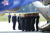 Terugkeer eerste slachtoffers van vliegramp MH17 in Nederland