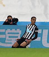 Football - 2020 / 2021 Premier League - Newcastle United vs Manchester City - St James' Park<br /> <br /> Joe Willock of Newcastle United scores to make it 3-2 to Newcastle United<br /> <br /> Credit : COLORSPORT/BRUCE WHITE