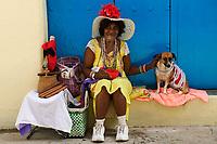17/Diciembre/2005 Cuba. La Habana.<br /> Vendedora de puros en la Plaza de la Catedral de La Habana.<br /> <br /> © JOAN COSTA
