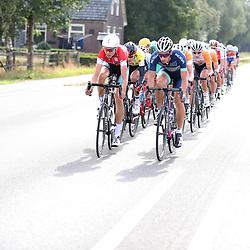 30-09-2016: Wielrennen: Olympia Tour: Zutphen<br />ZUTPHEN (NED) wielrennen <br />De strijd brandde los richting Zutphen met de wind vanaf de goede kant brak het peloton