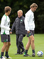 Celtic training at Barrowfield today as manager Gordon Strachan prepares for his first game in the Scottish Premier League against Motherwell tomorrow.<br /> Pic Ian Stewart  Friday July 29th. 2005<br /> Stan Varga and Stilian Petrov with the manager today