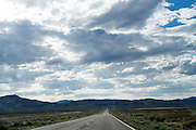 Een lege Interstate 50 tussen Ely en Austin in Nevada.<br />