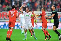 v.l. Jose Rodriguez, Paul Verhaegh (Augsburg), Pablo de Blasis, Schiedsrichter Batian Denkert<br /> Augsburg, 18.09.2016, Fussball Bundesliga, FC Augsburg - FSV Mainz 05 1:3<br /> Norway only