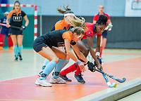 AMSTERDAM - Julia Muller (Laren)   Zaalhockey hoofdklasse, Laren D1-Groningen D1 (2-2). COPYRIGHT KOEN SUYK