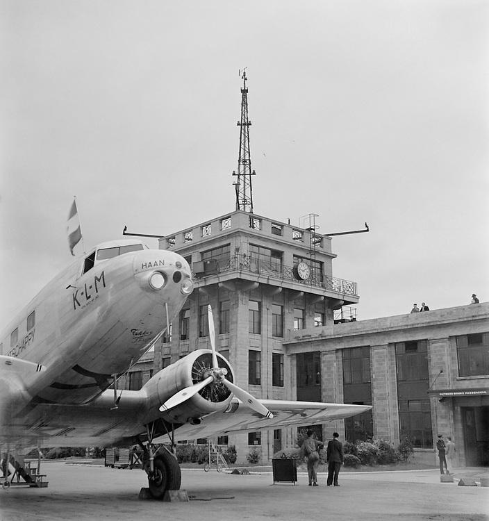 Croydon Aerodrome, England, 1935