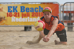 20160724 NED: NK Beachvolleybal 2016, Scheveningen <br />Hidde Uittenbosch <br />©2016-FotoHoogendoorn.nl / Pim Waslander