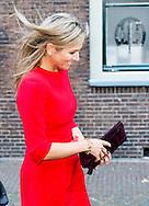 """LEIDEN - King Willem Alexander and Her Majesty Queen Máxima on Thursday, October 1st, 2015 at the conference """"China in the Netherlands' Leiden University. The meeting is organized by the university in preparation for the state visit of the royal couple at the end of October brings the PRC. COPYRIGHT ROBIN UTRECHT <br /> Koning Willem alexander en Hare Majesteit Koningin Máxima zijn op donderdag 1 oktober 2015 aanwezig bij de bijeenkomst """"China in Nederland"""" bij de Universiteit Leiden. De bijeenkomst wordt georganiseerd door de universiteit in aanloop naar het staatsbezoek dat het Koningspaar eind oktober brengt aan de Volksrepubliek China."""