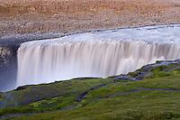 Islande. Chutes de Dettifoss. Plus grande chutes d'eau d'Europe. // Iceland. Dettifoss waterfall. Greatest waterfall of Europe.