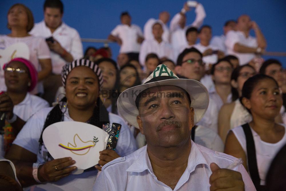 Cartagena de Indias, Bolívar, Colombia - 26.09.2016        <br /> <br /> Signing ceremony of the peace treaty between the FARC and the Colombian government in Cartagena. On 2nd October follows a peace referendum takes place about the end of the 52 years ongoing civil war between the marxist FARC-EP guerrilla and the government.<br /> <br /> Zeremonie der Friedensvertragsunterzeichnung zwischen der FARC und der kolumbianische Regierung in Cartagena. Am 02. Oktober folgt eine Volksabstimmung über das Ende des seit 52 Jahren dauernden Bürgerkrieges zwischen der marxistischen FARC-EP Guerilla und der Regierung statt.<br /> <br /> Photo: Bjoern Kietzmann