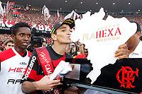 20091206: RIO DE JANEIRO, BRAZIL - Flamengo vs Gremio: Brazilian League 2009 - Flamengo won 2-1 and celebrated the 6th Brazilian Championship of its history. In picture: Ronaldo Angelim (Flamengo) celebrating victory. PHOTO: CITYFILES