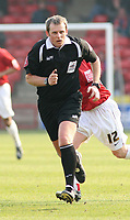 Photo: Mark Stephenson.<br />Walsall v Accrington Stanley. Coca Cola League 2. 31/03/2007. Referee Mr R Booth