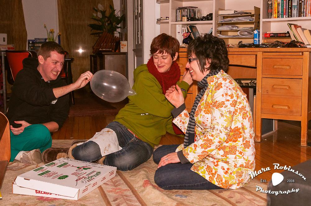 Sun Spots, Davenport Spot, Cleveland music photographer Mara Robinson, Ryan Wilkins, Liz Kelly, Jenna Fournier, Ryan Yankee, Eric Schulte 2.15.2011