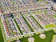 Nederland, Noord-Holland, Heerhugowaard, 07-05-2021; Stad van de Zon, duurzame nieuwbouwwijk. Er wordt gestreefd naar emissieneutraal wonen met name in het centrale deel, het Carré. Huizen zijn uitgerust met zonnepanelen.<br /> <br /> luchtfoto (toeslag op standard tarieven);<br /> aerial photo (additional fee required)<br /> copyright © 2021 foto/photo Siebe Swart