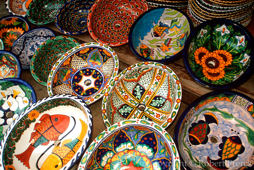 MEXICO, TOURISM Riviera Maya; traditional crafts