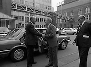 24/08/1984<br /> 08/24/1984<br /> 24 August 1984<br /> Opening of ROSC '84 at the Guinness Store House, Dublin. President Patrick Hillery  is welcomed to the exhibition opening at the Guinness Store House by Mr Pat Murphy, ROSC Chairman and Lord Iveagh.