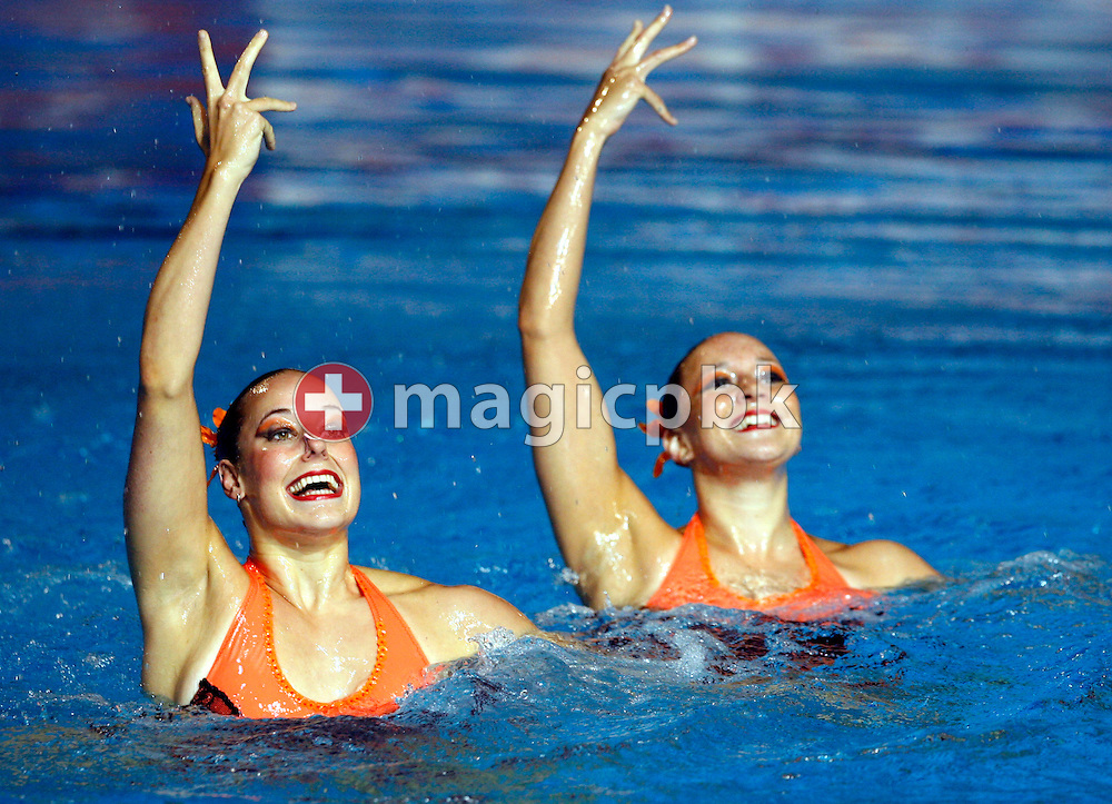 Swiss Ariane Schneider (L) and Magdalena Brunner (R) perform in the synchronized (synchronised) swimming duet technical preliminary routine at the Susie O'Neill pool at the FINA Synchronized Swimming World Championships in Melbourne, Australia, Saturday, March 17, 2007. (Photo by Patrick B. Kraemer / MAGICPBK)