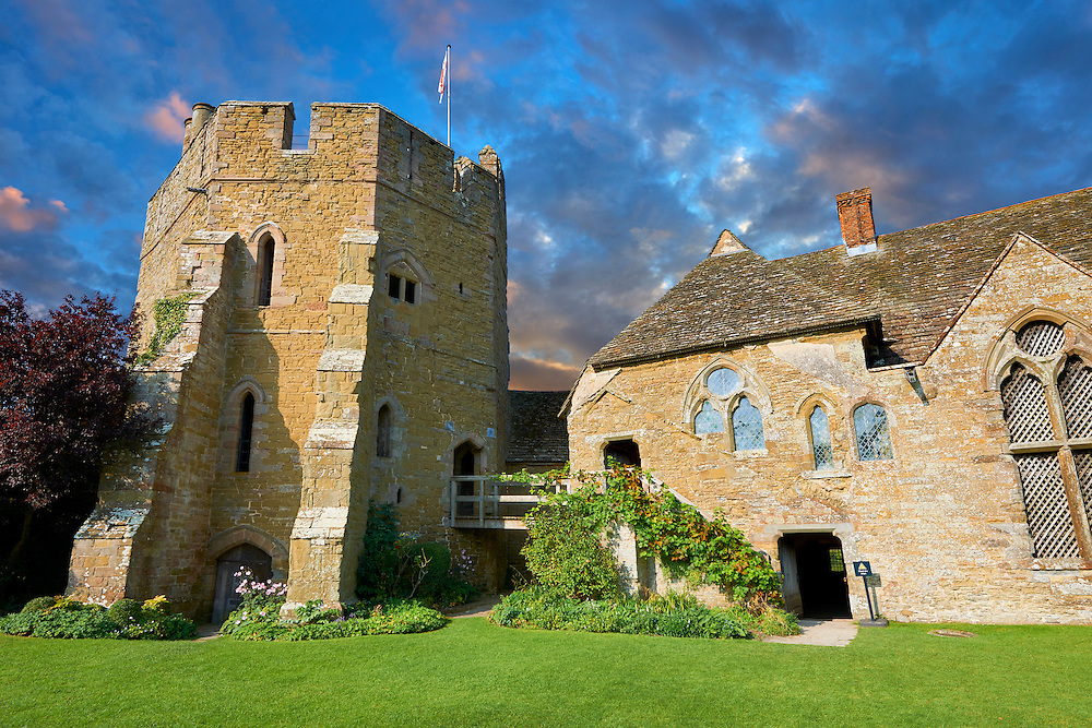 The south tower and great hall of the  finest fortified medieval manor house in England built in the 1280s, Stokesay Castle, Shropshire, England