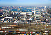 Nederland, Zuid-Holland, Rotterdam, 18-02-2015. Emplacement Waalhaven en Bedrijventerrein Waalhaven met KPN-zendmast Waalhaven.<br /> Waalhaven Yard and Business park Waalhaven.<br /> luchtfoto (toeslag op standard tarieven);<br /> aerial photo (additional fee required);<br /> copyright foto/photo Siebe Swart
