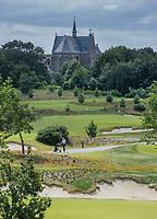 CROMVOIRT - Kerk Cromvoirt. Bernardus Golf is een golfbaan in Cromvoirt, die in 2018 is geopend. De 18-holes baan is een ontwerp van de baanarchitect Kyle Phillips. De baan is aangewezen voor het Dutch Open, .   COPYRIGHT KOEN SUYK