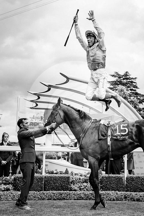Sangarius (L. Dettori) wins The Hampton Court Stakes Gr.3 at Royal Ascot, 20/06/2019, photo: Zuzanna Lupa