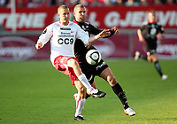 Fotball , 21. mai 2009 , Tippeligaen ,  Fredrikstad - Brann 2-4<br /> <br /> Azar Karadas , Brann og  Patrik Gerrbrand , FFK
