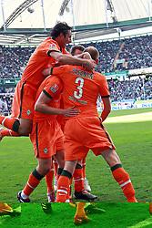 17.04.2010, Volkswagenarena, Wolfsburg, GER, FBL 09 10, VfL Wolfsburg vs Werder Bremen, im Bild Jubel bei Torsten Frings (GER Werder #22) nach seinem F¸hrungstreffer zum 2:3. mit Hugo Almeida (POR Werder #23), Petri Pasanen (FIN Werder #03), Mesut ÷zil (Oezil GER Werder #11), Phillip Bargfrede (GER Werder #44).. EXPA Pictures © 2010, PhotoCredit: EXPA/ nph/  Arend / SPORTIDA PHOTO AGENCY