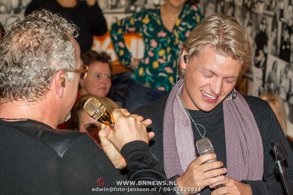 NLD/Blaricum/20161118 - Gordon presenteert nieuwe cd 'Gordon Compleet' , Gordon en Thomas Berge