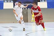 Futsal: 1. Bundesliga, HSV-Panthers - Stuttgart Futsal Club, Hamburg, 11.09.2021<br /> Ian  Prescott Claus (Panthers, l.) - Josip Sesar (Stuttgart)<br /> © Torsten Helmke