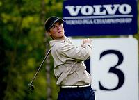 Photograph: Scott Heavey<br />Volvo PGA Championship At Wentworth Club. 23/05/2003.<br />Henrik Bjørnstad fires one off the 13th.
