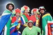 Bafana supporters poseren tijdens de gewonnen wedstrijd van Zuid Afrika tegen Frankrijk
