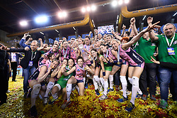 10-04-2016 ITA: CEV DenizBank Champions League  - VakıfBank Istanbul - Pomi Casalmaggiore, Montichiari<br /> Vakifbank verliest met 3-0 en pakt opnieuw het zilver in de CL / Pomi Casalmaggiore met de beker<br /> <br /> ***NETHERLANDS ONLY***