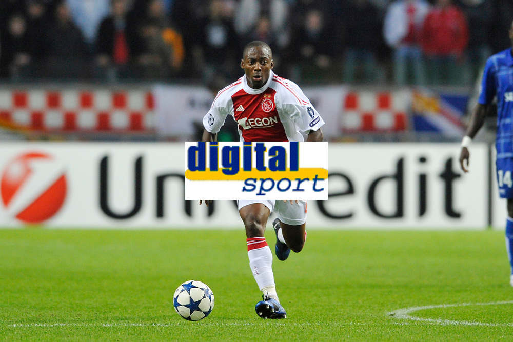FOOTBALL - UEFA CHAMPIONS LEAGUE 2010/2011 - GROUP STAGE - GROUP G - AJAX AMSTERDAM v AJ AUXERRE - 19/10/2010 - PHOTO GUY JEFFROY / DPPI - EYONG ENOH (AJAX)