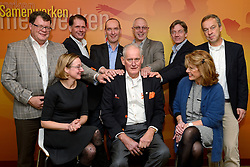 12-12-2015 NED: Bondsvergadering Nevobo, Nieuwegein<br /> Hans Nieukerke is vandaag benoemd tot erevoorzitter van de Nevobo. De 73-jarige Nieukerke ontving in het Huis van de Sport deze eer bij het afscheid van zijn twaalfjarig voorziterschap en kreeg de unieke gouden bondsspeld met drie briljanten opgespeld / Hans Nieukerke, Bondsbestuur met Karen en Joelle