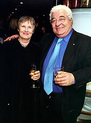 Actor ANTONIO CARLUCCIO and his wife PRISCILLA CARLUCCIO, at a party in London on 20th October 1999.MXZ 3