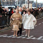 NLD/Amsterdam/20080201 - Verjaardagsfeest Koninging Beatrix en prinses Margriet, aankomst beatrix, Margriet en Mr. Pieter van Vollenhoven